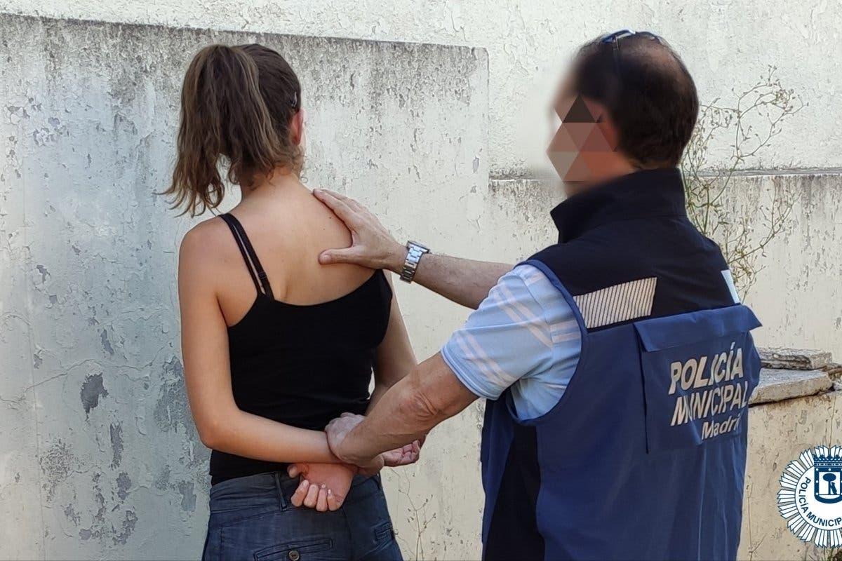 Detenido un matrimonio en Moratalaz por agredirse mutuamente en presencia de su hijo menor