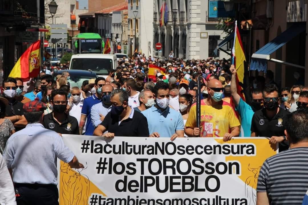Paseo taurino en Arganda contra la discriminación del Gobierno: «La tauromaquia también es cultura»