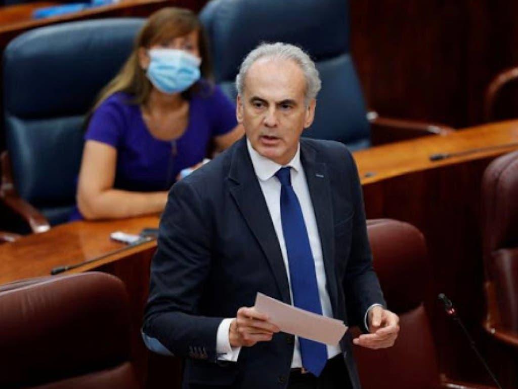 La Asamblea de Madrid rechaza reprobar al consejero de Sanidad y respalda su gestión