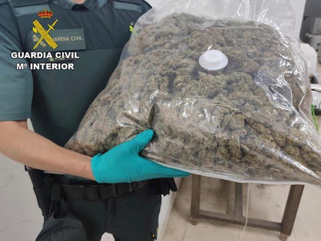 Detenido en Guadalajara tras una persecución: llevaba más de 8 kilos de marihuana