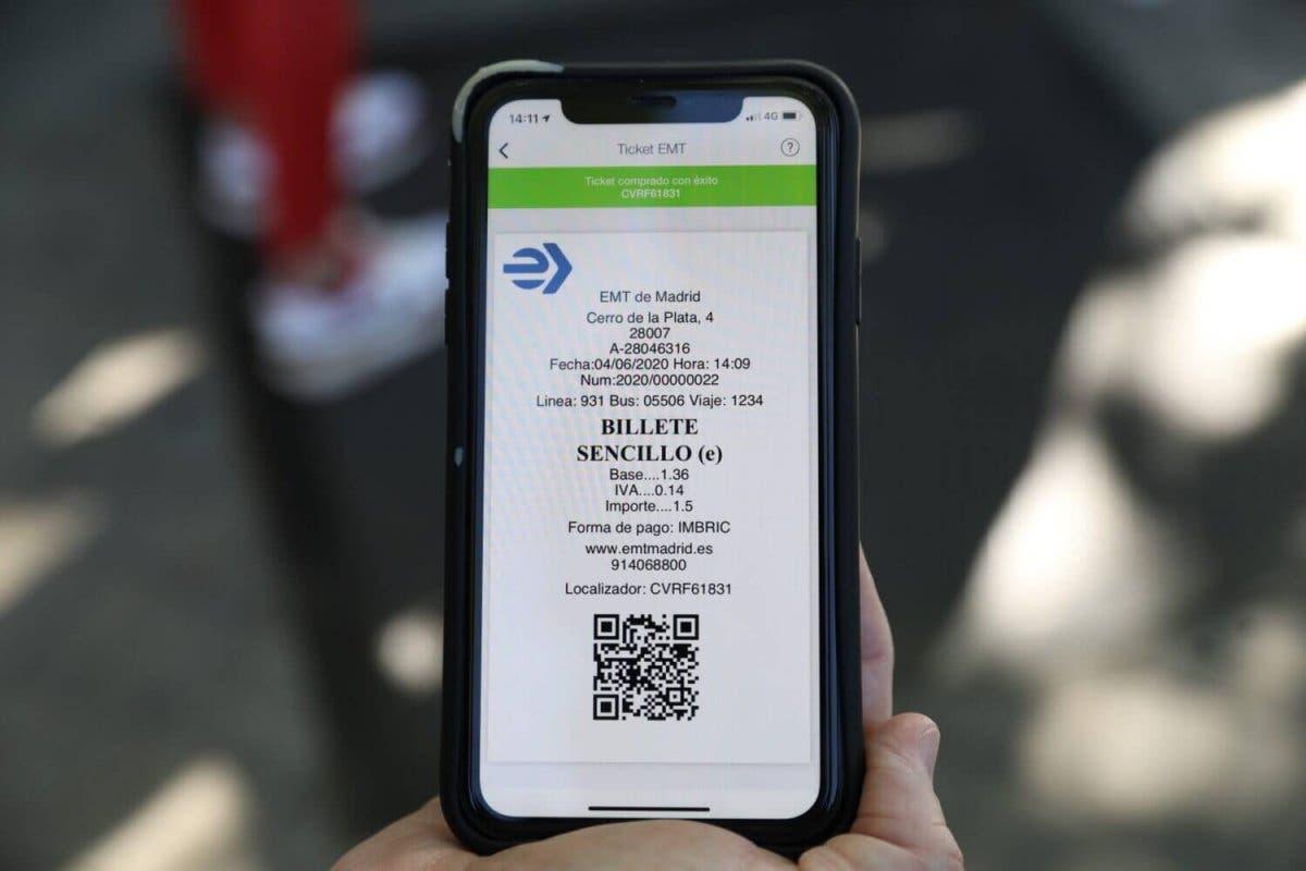 Ya es posible pagar el billete sencillo de la EMT con código QR
