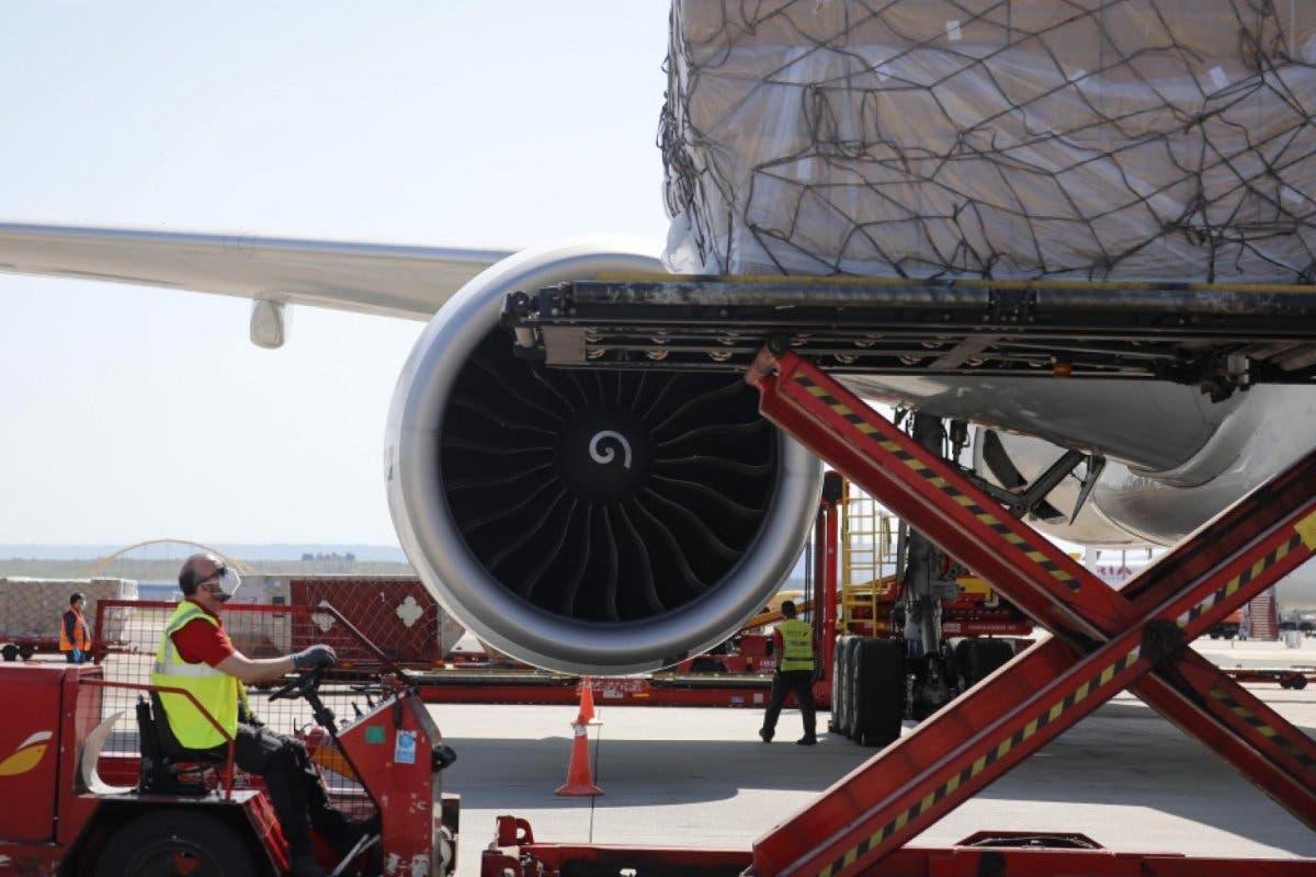 Llega a Madrid el decimonoveno avión de Ayuso con material sanitario
