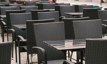 Sanidad cierra la hostelería en Villanueva y deja sólo las terrazas en Guadalajara capital