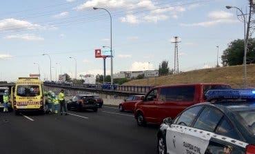 Muere un hombre atropellado al cruzar por una zona indebida la M-40
