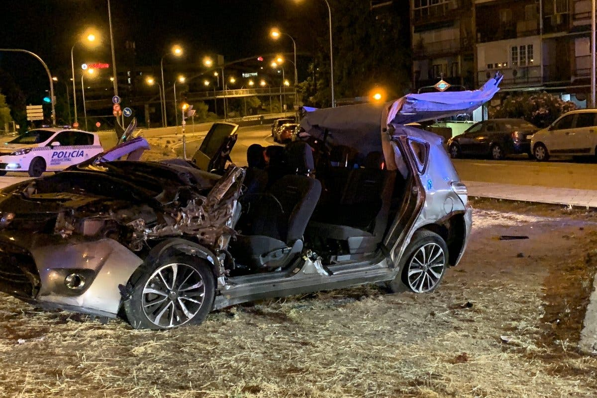 Herido grave un conductor tras perder el control de su coche en la A2