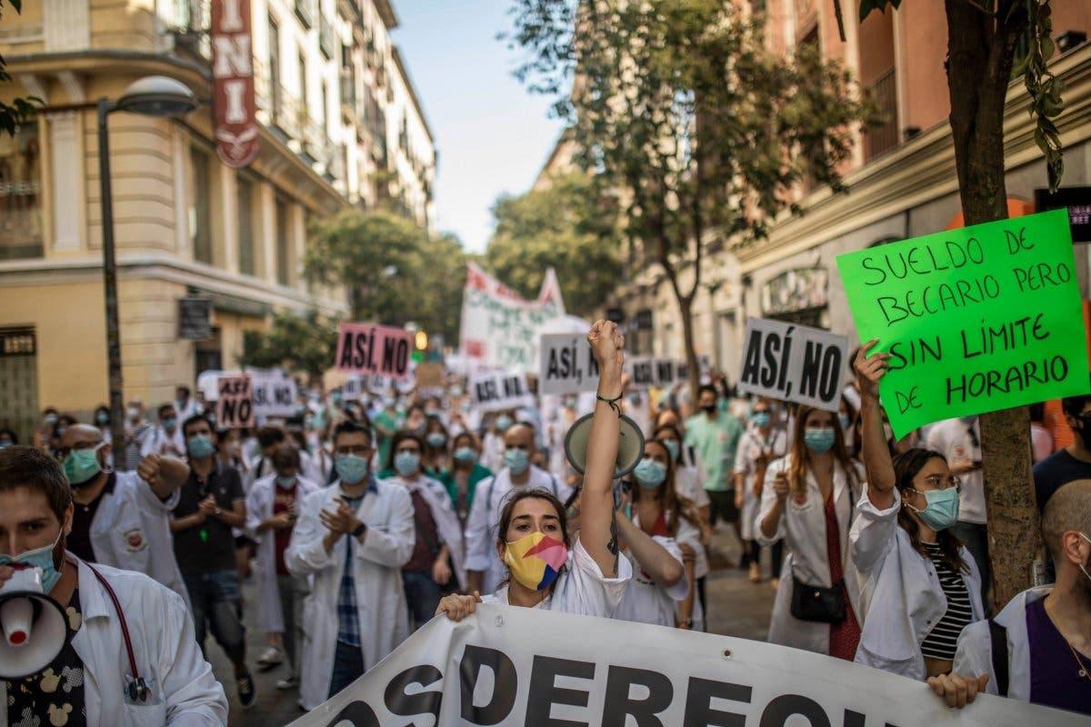 Los MIR de Madrid vuelven a protestar este lunes por un convenio digno