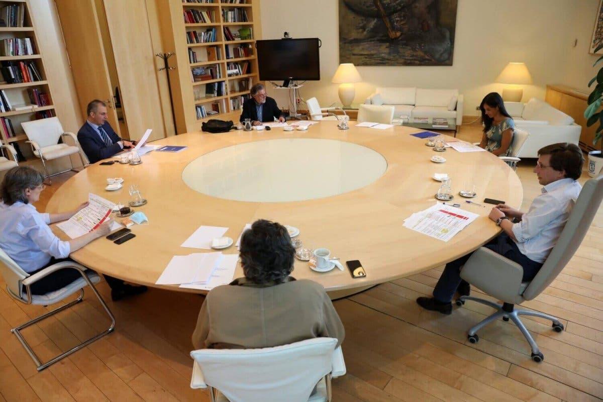 Las 352 medidas acordadas por unanimidad para reactivar Madrid
