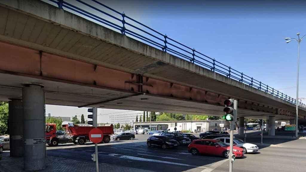 Madrid cierra el puente de Joaquín Costa por riesgo de que se pueda caer