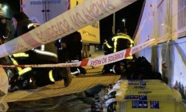 Extinguen un incendio en una nave industrial de Torrejón de Ardoz