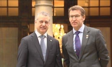 Feijóo y Urkullu seguirán gobernando Galicia y Euskadi tras las elecciones de este domingo