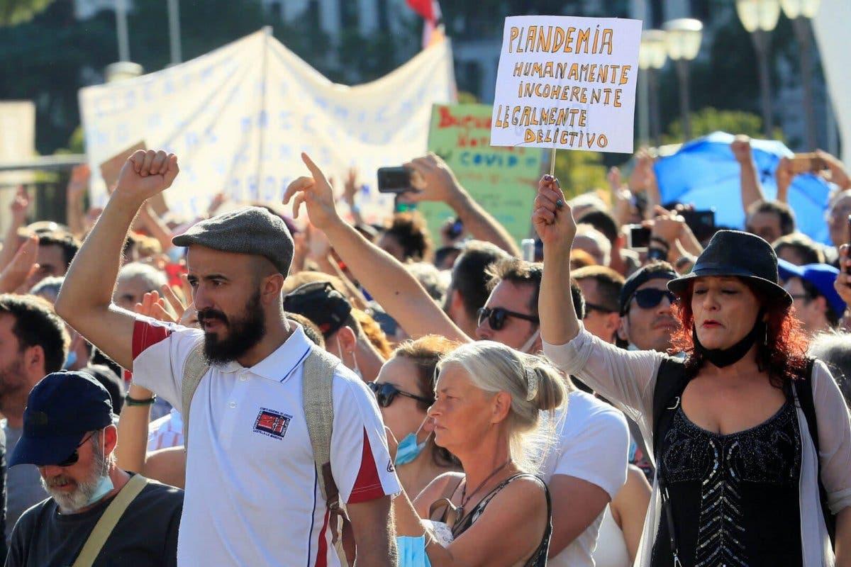 Delegación de Gobierno castigará a los negacionistas que se manifestaron sin mascarilla en Madrid