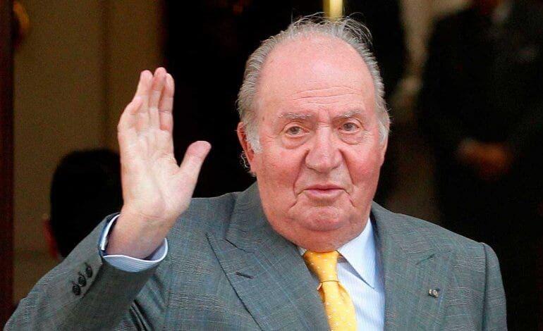 El rey Juan Carlos comunica su decisión de abandonar España