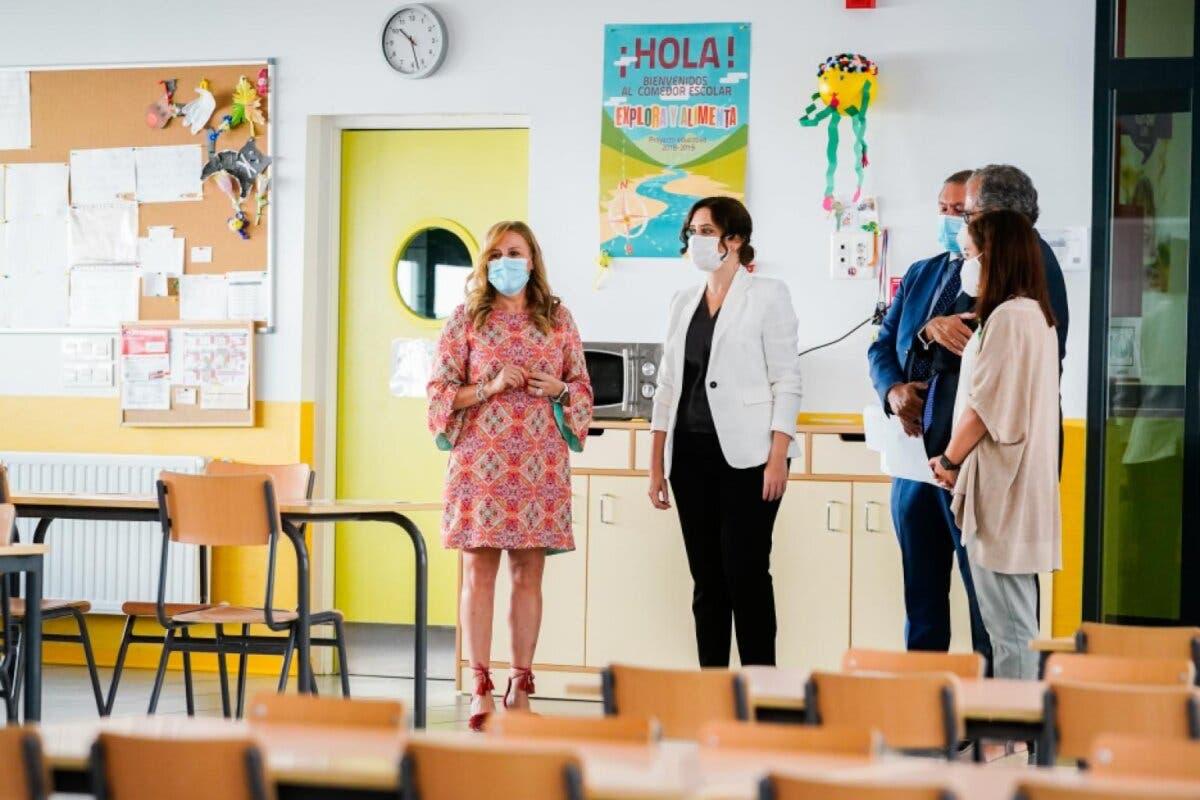 La Comunidad de Madrid adquiere8.137 mamparas para evitar contagios en centros educativos