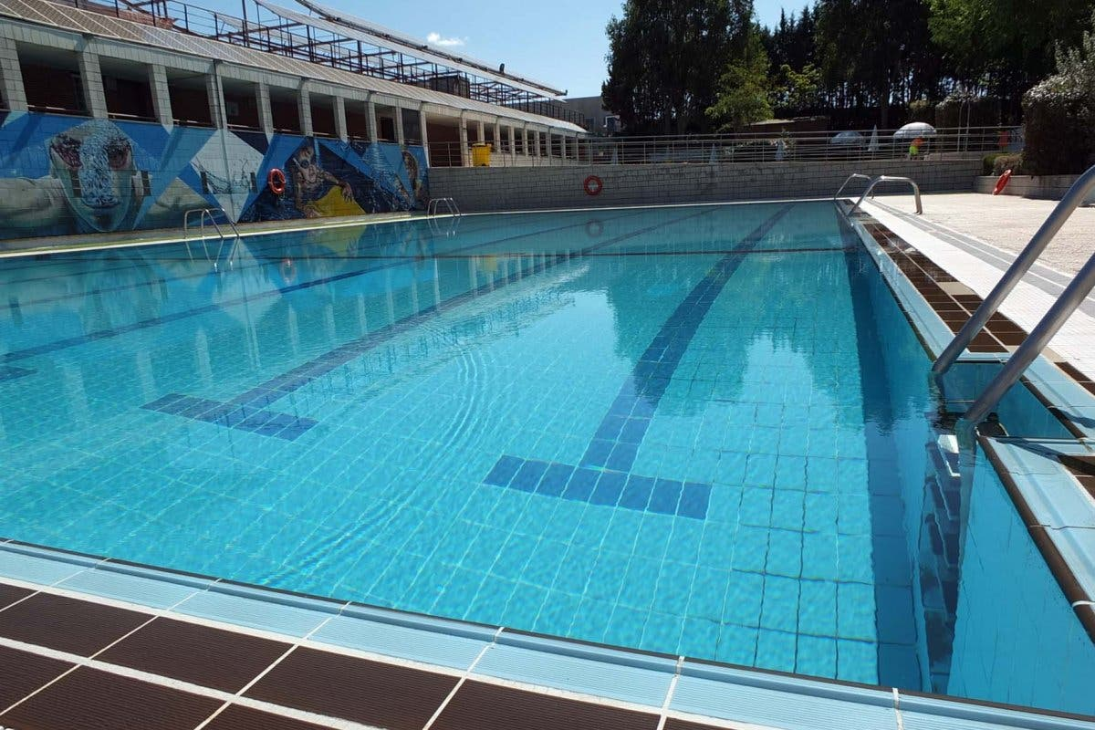 La piscina de Paracuellos modifica su horario de apertura desde hoy