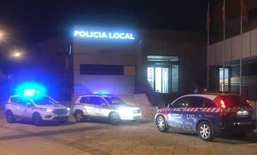 La Policía de Paracuellos vigila el cierre de bares y la prohibición de fumar