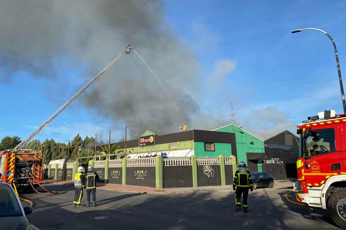 Arde una discoteca cerrada en un polígono de Alcalá de Henares