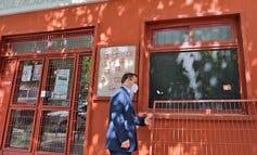 Coslada condena el «ataque nazi» a la sede de la Asociación de Mujeres Clara Campoamor