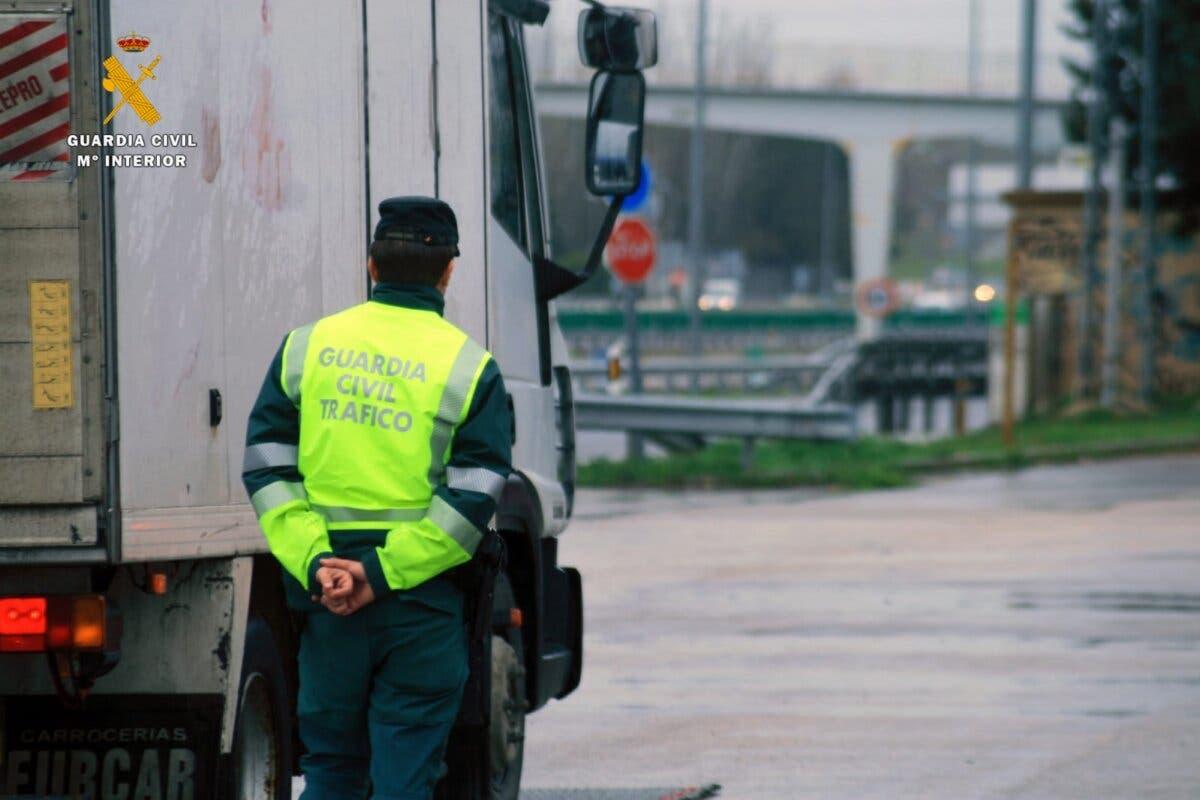 Cazado en la A2 un camionero que sextuplicaba la tasa de alcohol permitida