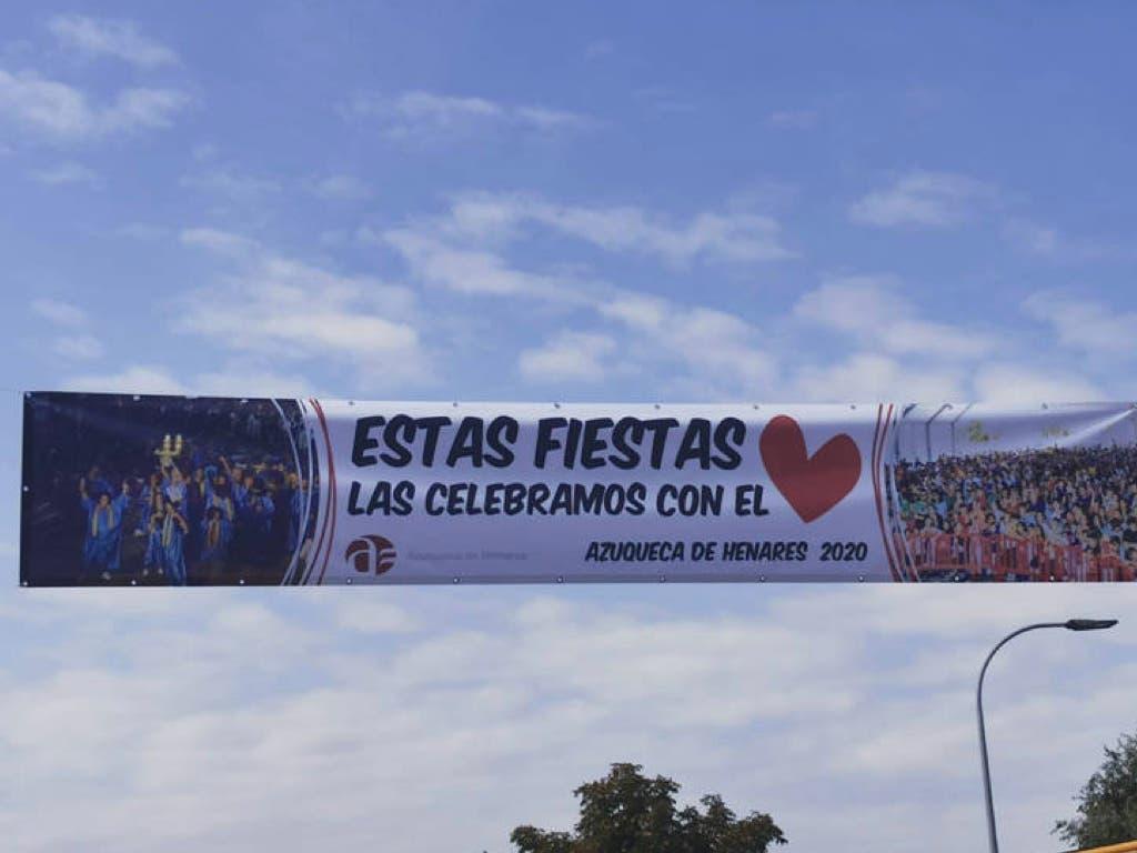 Azuqueca de Henares coloca 25 pancartas para conmemorar las fiestas suspendidas