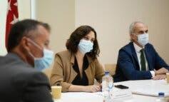 Ayuso subirá 5.757 euros el sueldo a los médicos de Atención Primaria y SUMMA