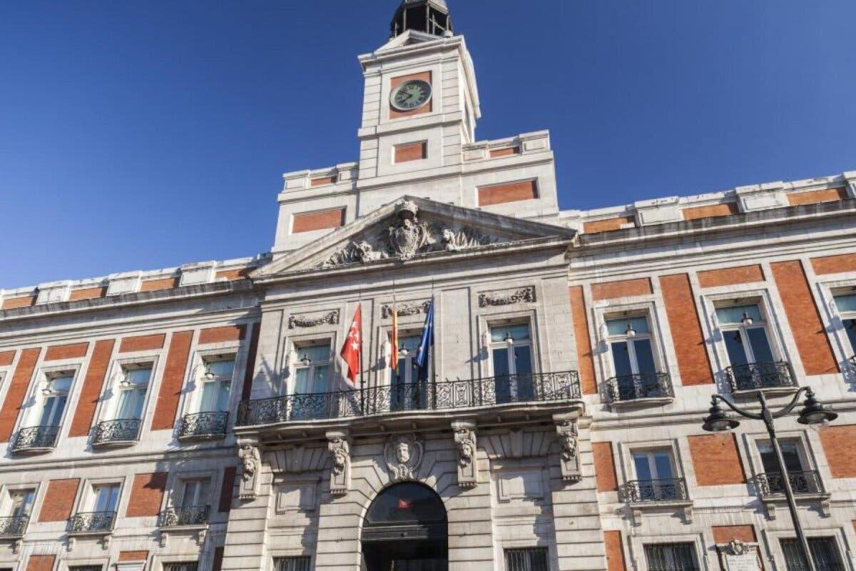 Madrid prevé 8.000 millones de pérdidas si las restricciones de Sánchez duran un mes