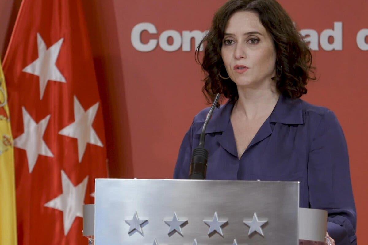 Ayuso anuncia que habrá nuevas medidas este viernes y recomienda no salir de Madrid