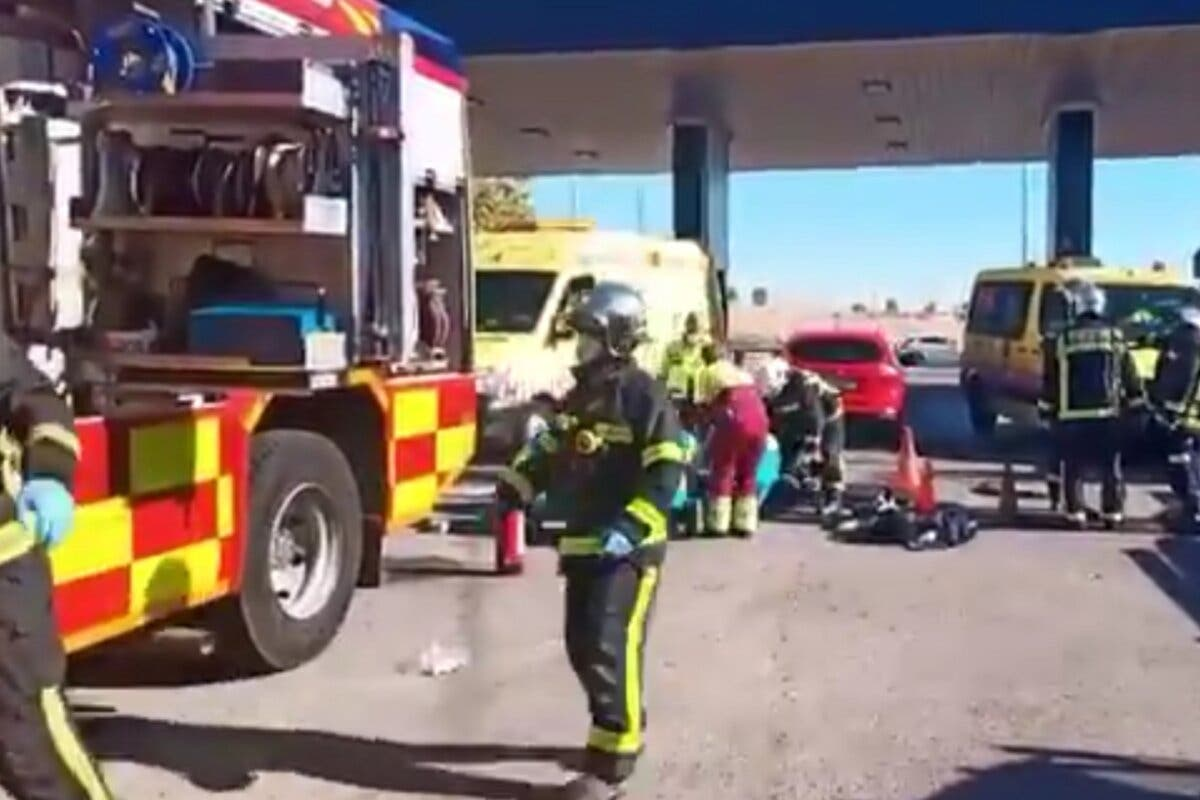Muere arrollado por un coche mientras trabajaba dentro de una arqueta en una gasolinera de Parla
