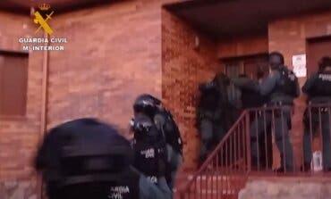 Detenidos tras hacerse pasar por guardias civiles para cometer un robo en El Casar