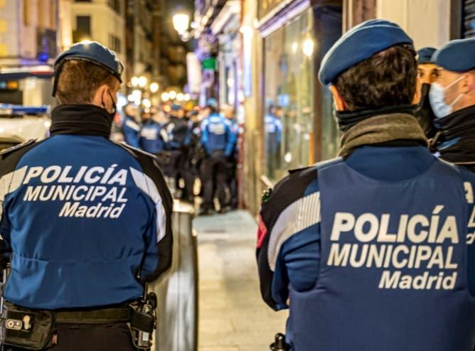 Desalojadas 105 fiestas privadas en domicilios durante la primera noche del puente en Madrid