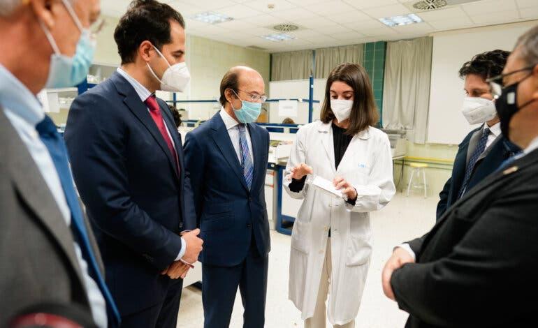 Madrid presenta el primer test Covid para hacer en casa
