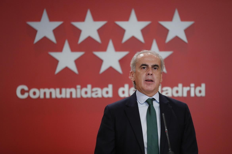 Madrid valora prohibir salir de la región en el puente