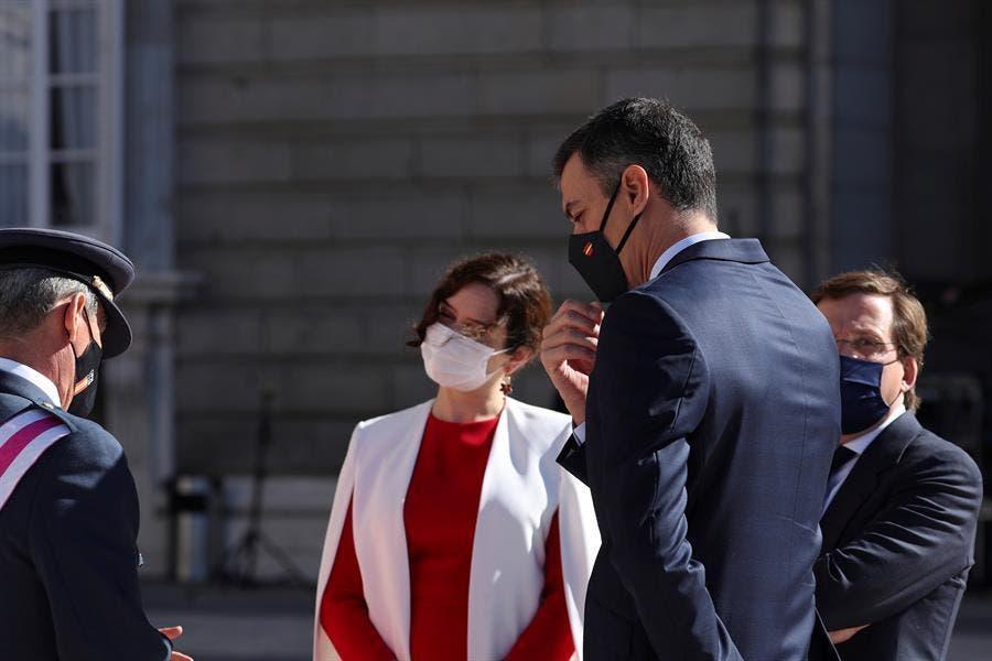 Pitos y abucheos a Sánchez en el acto de la Fiesta Nacional en Madrid