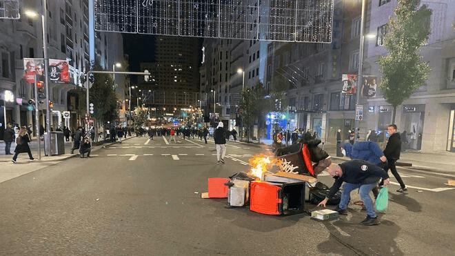 32 detenidos y 12 heridos por disturbios contra las restricciones en Madrid