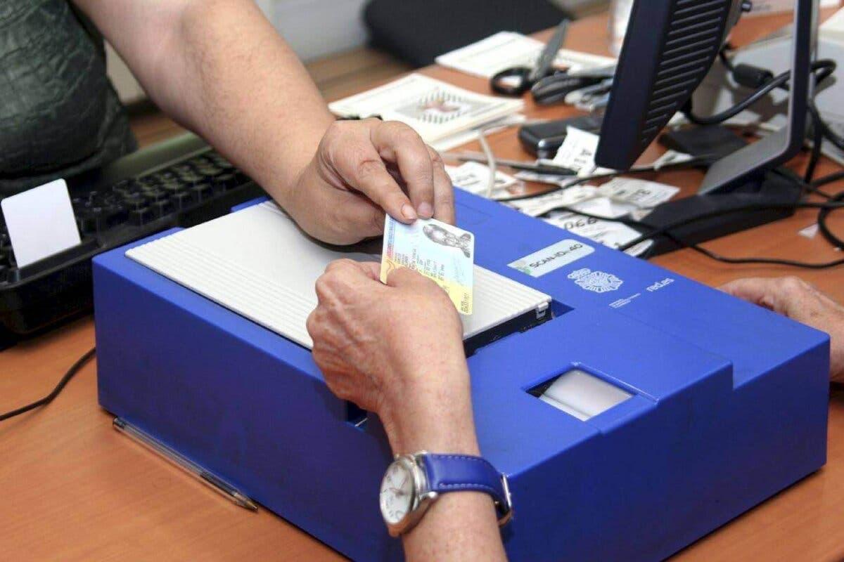La Comisaría de Torrejón de Ardoz triplica las citas disponibles para renovar el DNI
