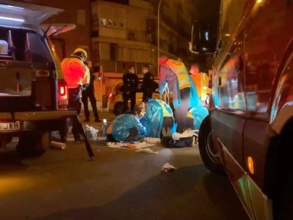 Apuñalados un hombre y una mujer en plena calle de Villaverde