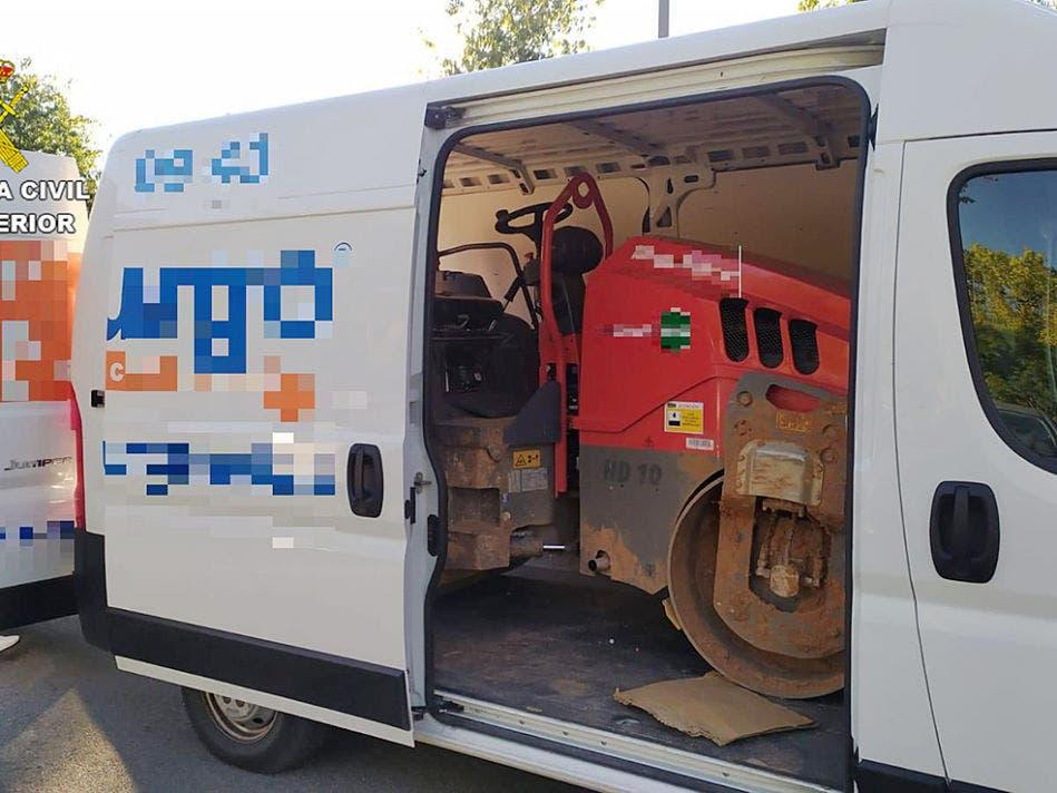 Detenido un joven por robar un rodillo compactador en Cabanillas del Campo