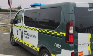 Investigan a una conductora borracha que chocó contra un bus escolar en Torrejón del Rey