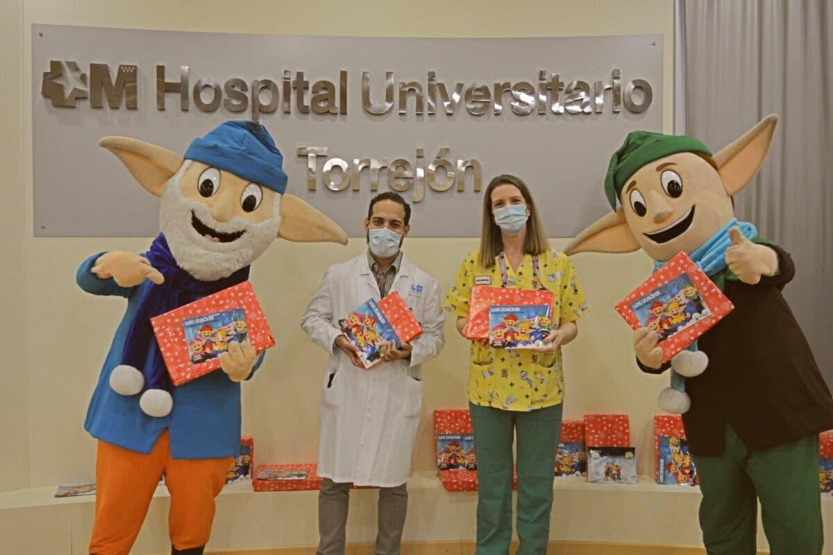 Los Guachis regalaron juguetes a los niños hospitalizados en Torrejón de Ardoz