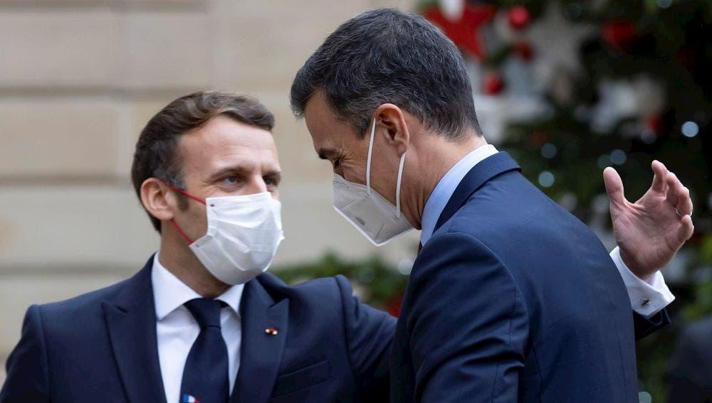 Sánchez, en cuarentena hasta Nochebuena tras el positivo en coronavirus de Macron