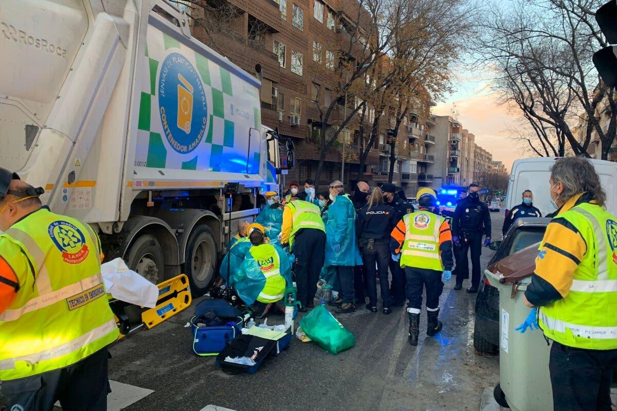 Muere una ciclista en Ciudad Lineal atropellada por un camión de la basura