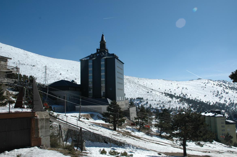 La carretera de subida a Navacerrada seguirá cerrada este domingo