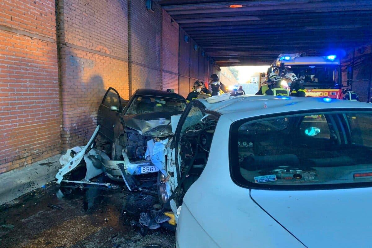 Dos heridos graves tras un choque frontal en un túnel bajo la A-2