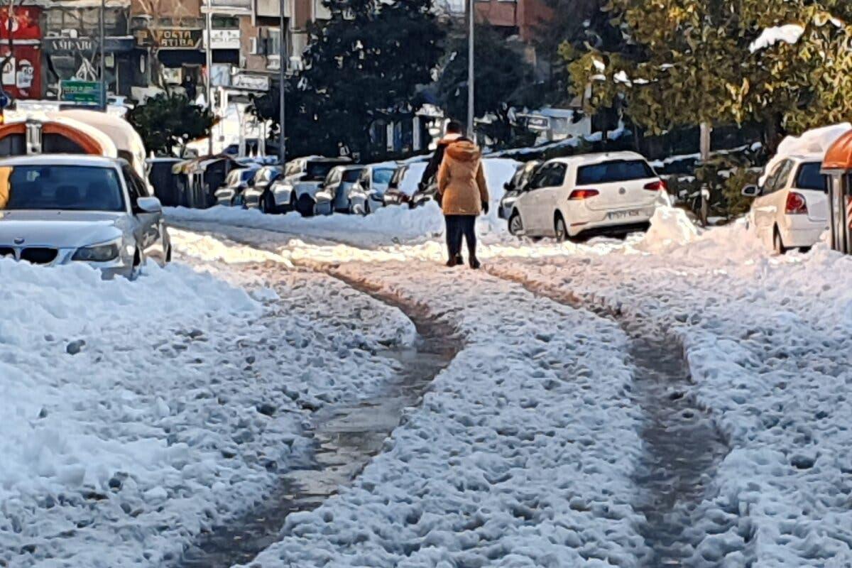 Cadáveres sin recoger en domicilios madrileños por la fuerte nevada