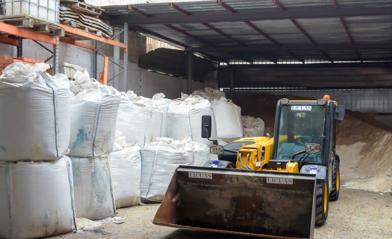 Alcalá y Coslada se suman al reparto de sal y Torrejón habilita nuevos puntos de recogida