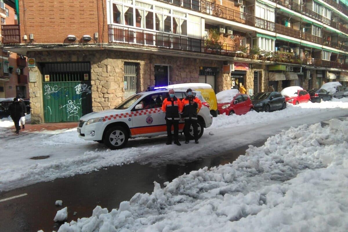 Llevan la compra a casa a mayores de Torrejón y Alcalá para evitar caídas