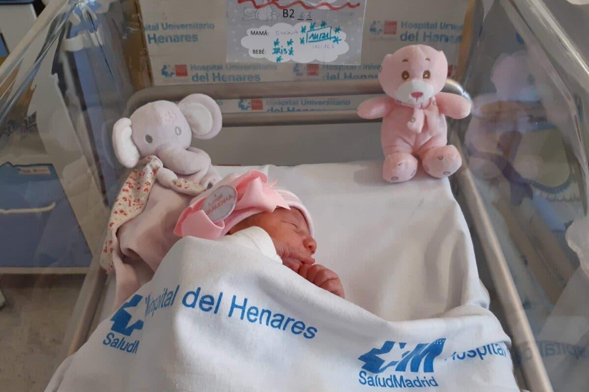 Nace en Coslada el primer bebé de 2021 en la Comunidad de Madrid