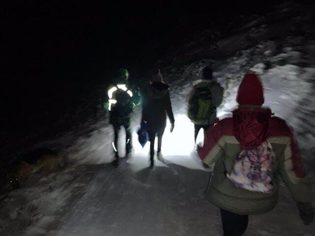 Rescatados cinco jóvenes en Navacerrada que iban en vaqueros y zapatillas