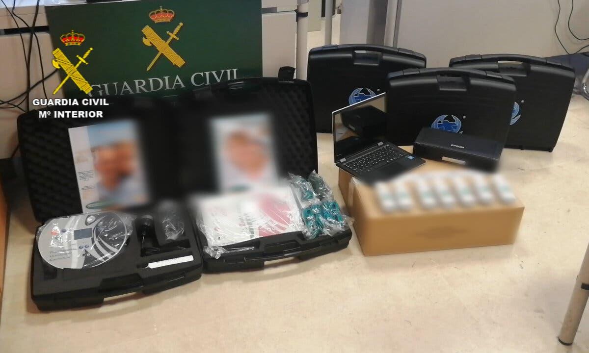 Detenidos por estafar a ancianos con aparatos sanitarios en Rivas, Arganda, Mejorada y Guadalajara