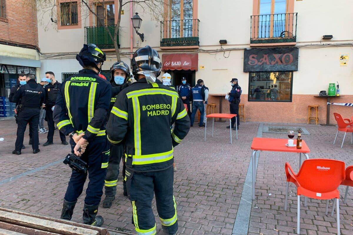 Cinco heridos tras una deflagración cuando reparaban una máquina en un bar de Villaverde