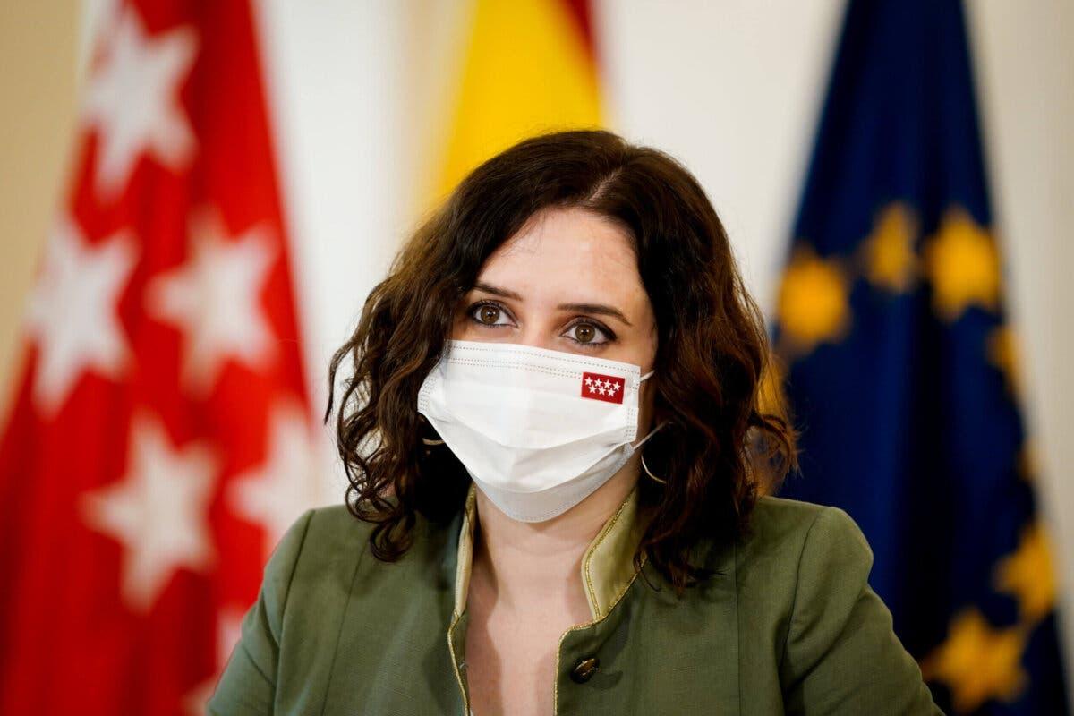 Ayuso lanza un «ruego desesperado» a la Unión Europea para que lleguen más vacunas